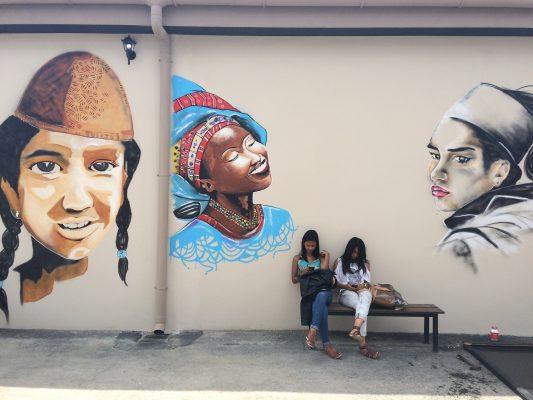 Image d'illustration. Diversité culturelle représentée sur les murs. Crédit photo : Maristé C/Mondoblog. Antananarivo 2016